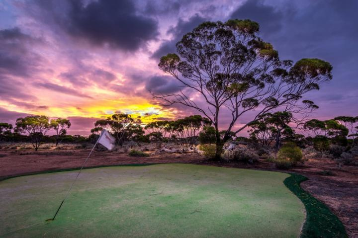 Nullabor Links - Sân golf rộng dài nhất thế giới