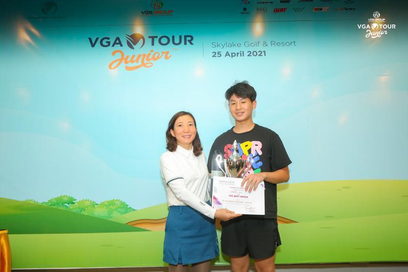 Đoàn Uy vô địch vòng 2 VGA Junior Tour 2021