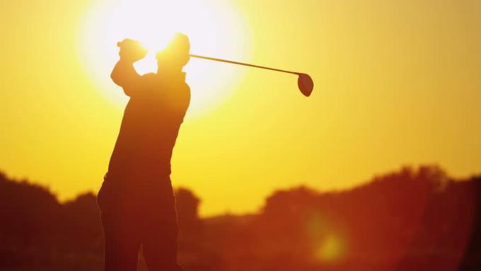 6 lời khuyên tránh 'sốc nhiệt' khi chơi golf giữa trời nóng?