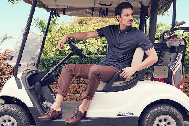 Cần trang bị những gì khi chơi golf vào mùa hè?