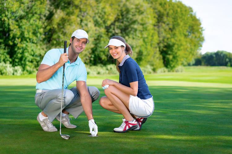 Gợi ý về thời trang khi  lên sân golf cho bạn