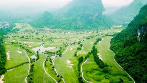 Sân golf Phoenix - Khu nghỉ dưỡng sân golf đáng trải nghiệm