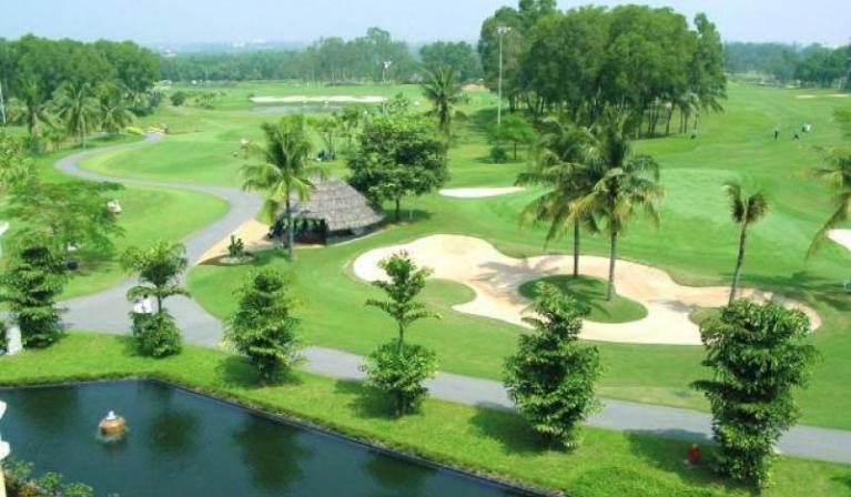 Sân Sông Bé Golf Resort tiêu chuẩn 18 hố cuối tuần