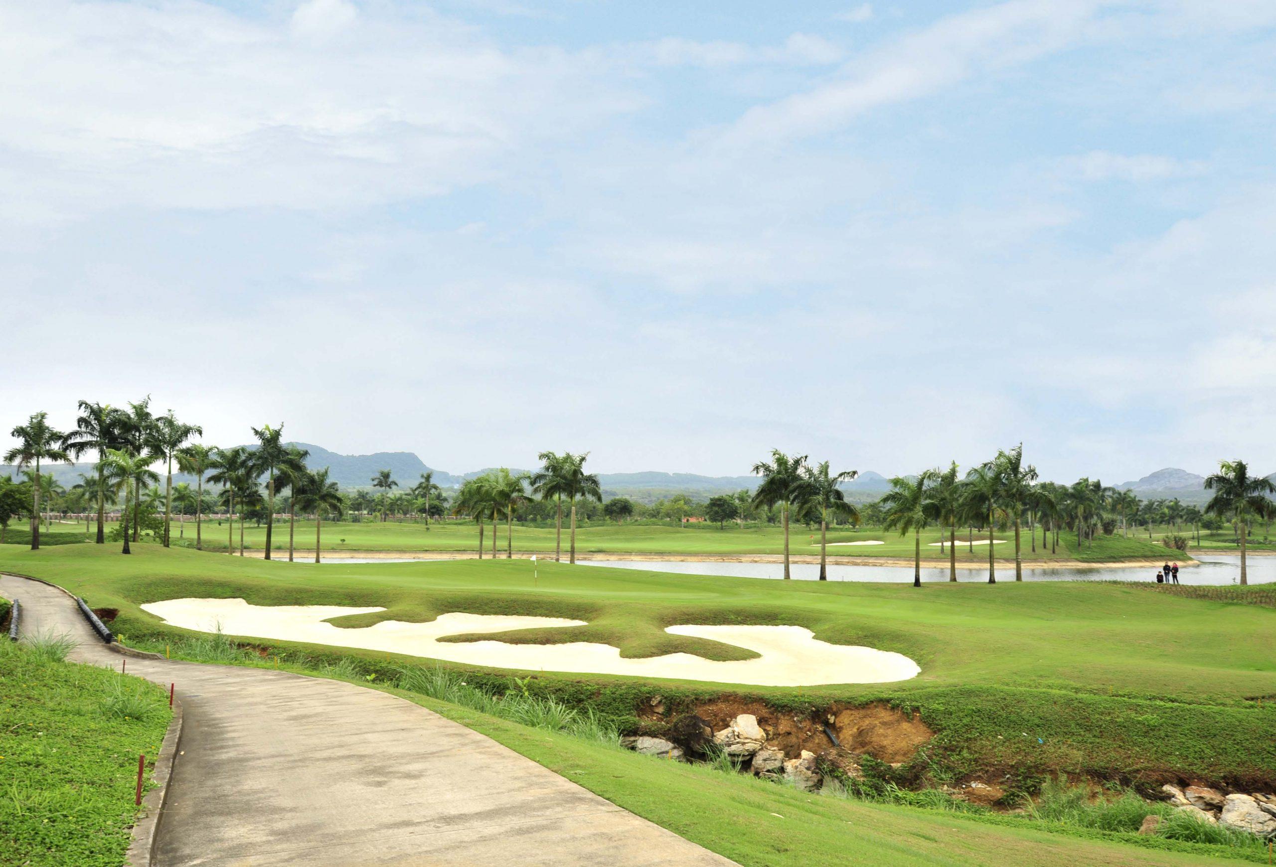 Combo chơi golf tại Tràng An + Nghỉ tại The Reed Hotel Ninh Bình