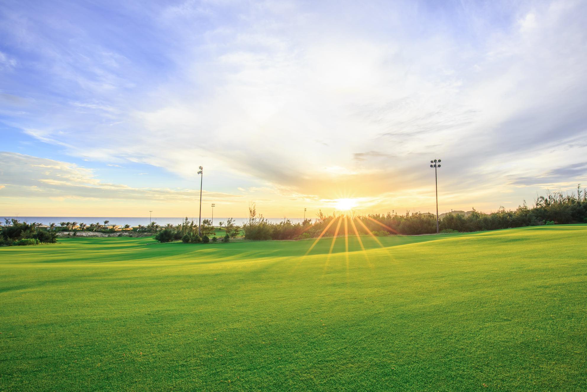 Combo trọn gói 1 ngày chơi golf tại FLC Quy Nhơn