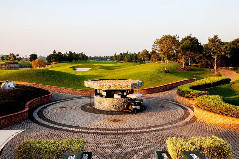 Sân golf Vân Trì - Ưu đãi Thứ 3 Lady days