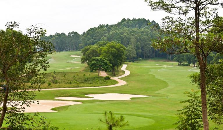 BRG King's Island Golf Resort - Sân Lakeside 27 hố trong tuần