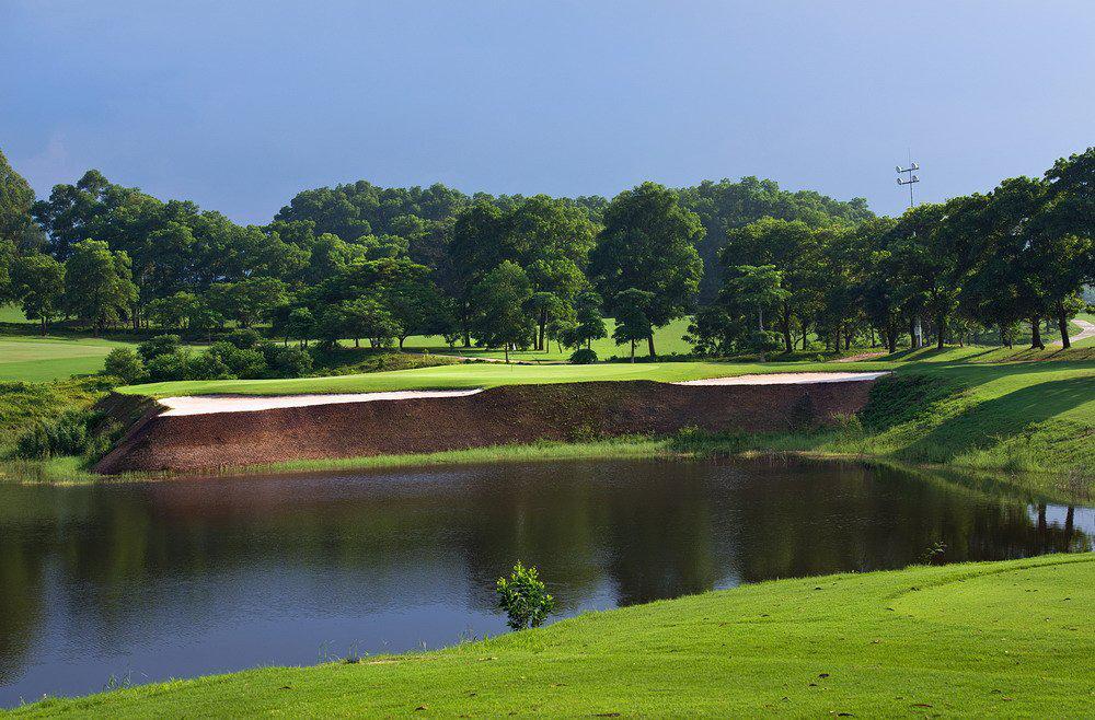 BRG King's Island Golf Resort - Sân Mountainview 27 hố trong tuần