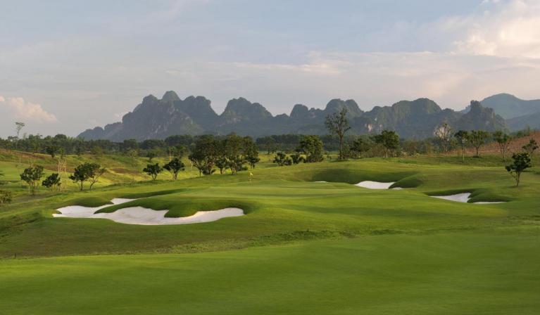 Sky Lake Resort & Golf Club cho khách lẻ tại sân Lake - trong tuần - 18 hố