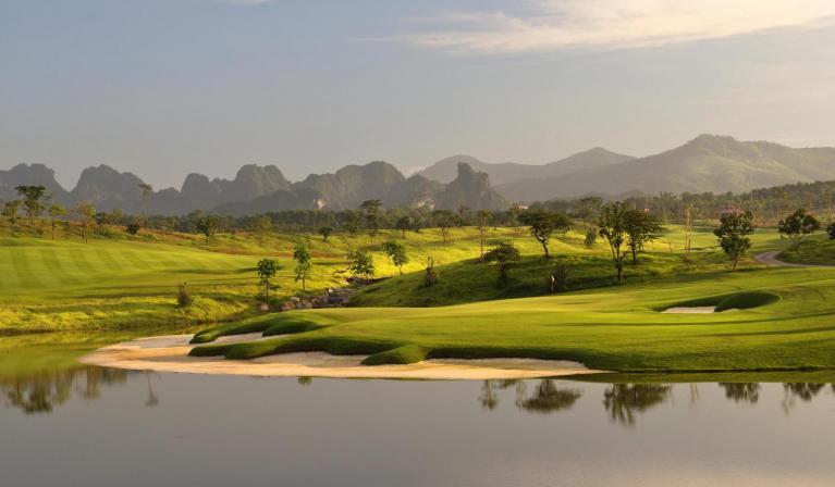 Sky Lake Resort & Golf Club cho khách lẻ tại sân Sky - cuối tuần - 18 hố