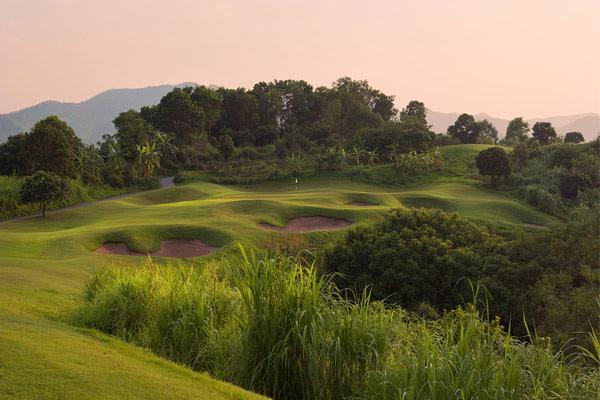 Sky Lake Resort & Golf Club cho khách lẻ tại sân Sky - trong tuần - 18 hố