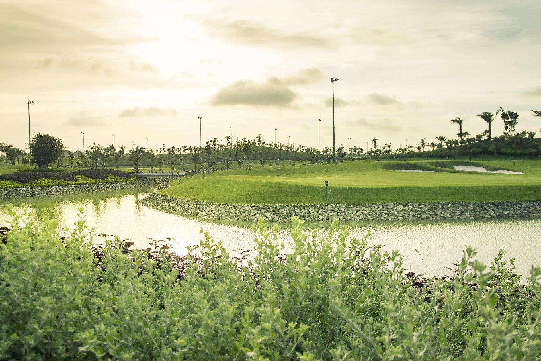 Đặt dịch vụ tại Long Bien Golf Club 36 hố - cuối tuần và lễ