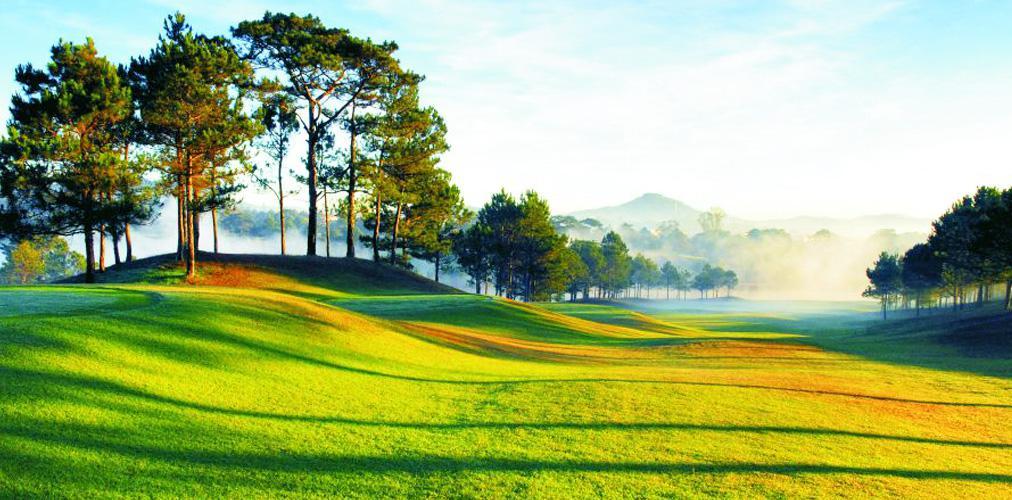 Đặt tee off sân Dalat Palace Golf Club 9 hố cuối tuần