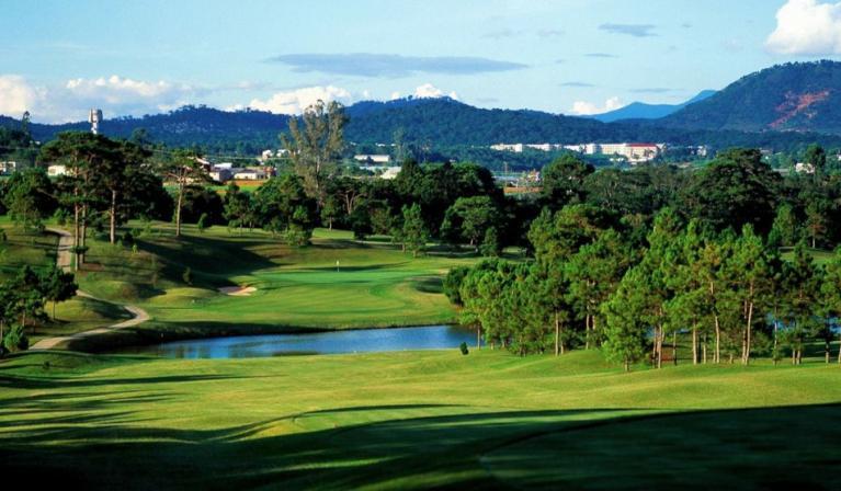 Sân golf Da Lat Palace Golf Club 18 hố cuối tuần