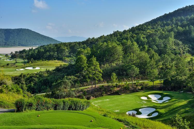 Sân Da Lat Palace Golf Club 9 hố cho khách của hội viên ngày thường