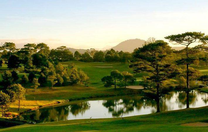 Đặt sân Dalat Palace Golf 18 hố cho khách của hội viên cuối tuần