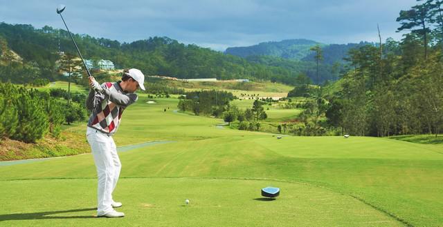 Sân golf SAM Tuyền Lâm - 36 hố - cuối tuần