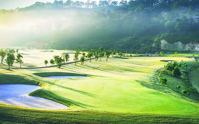 Sân golf SAM Tuyền Lâm - 27 hố - cuối tuần