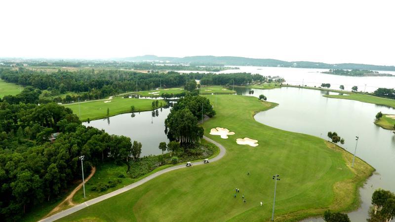 Sân golf Đại Lải Star Golf & Country Club - 9 hố - cuối tuần