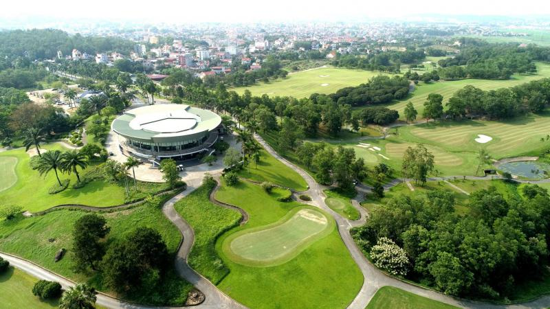 Sân golf Chí Linh ưu đãi  hè 18 hố - Trong tuần