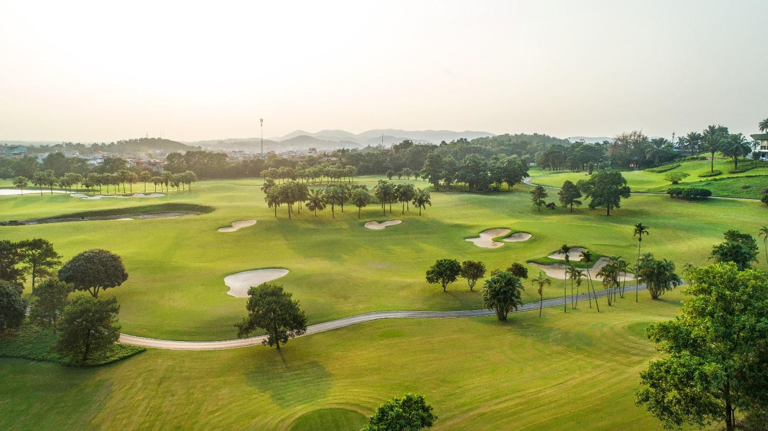 Sân golf Chí Linh ưu đãi  hè 18 hố - Cuối tuần