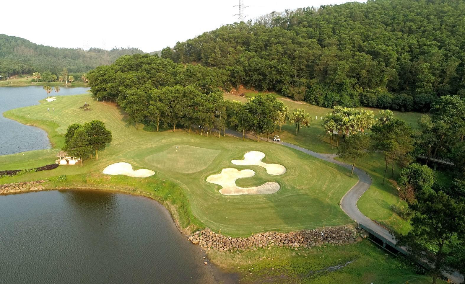 Ưu đãi hè chơi golf không giới hạn sân golf Chí Linh 18 hố