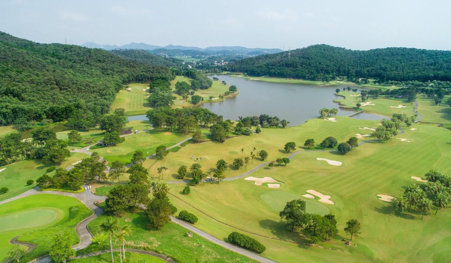 Tee off sân golf Chí Linh Hải Dương 27 hố cuối tuần