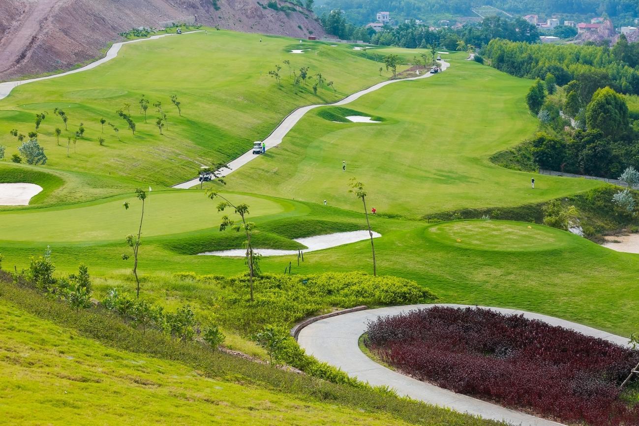 Chơi golf không giới hạn từ 27 hố sân golf Yên Dũng - Thứ 2