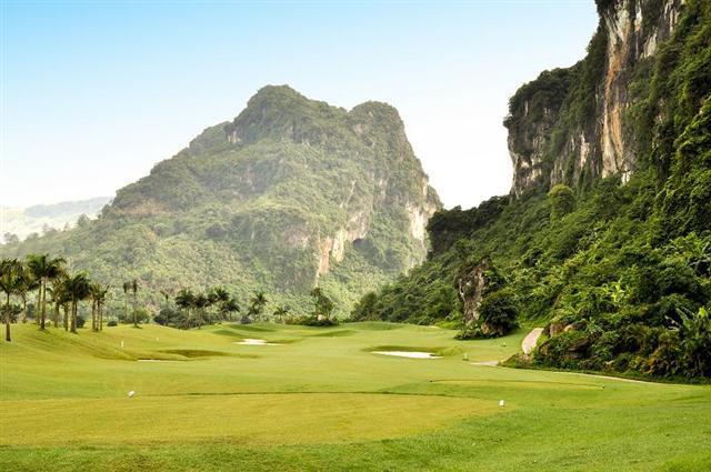 Sân Golf Phượng Hoàng - Phoenix Golf Resort - 18 hố - trong tuần