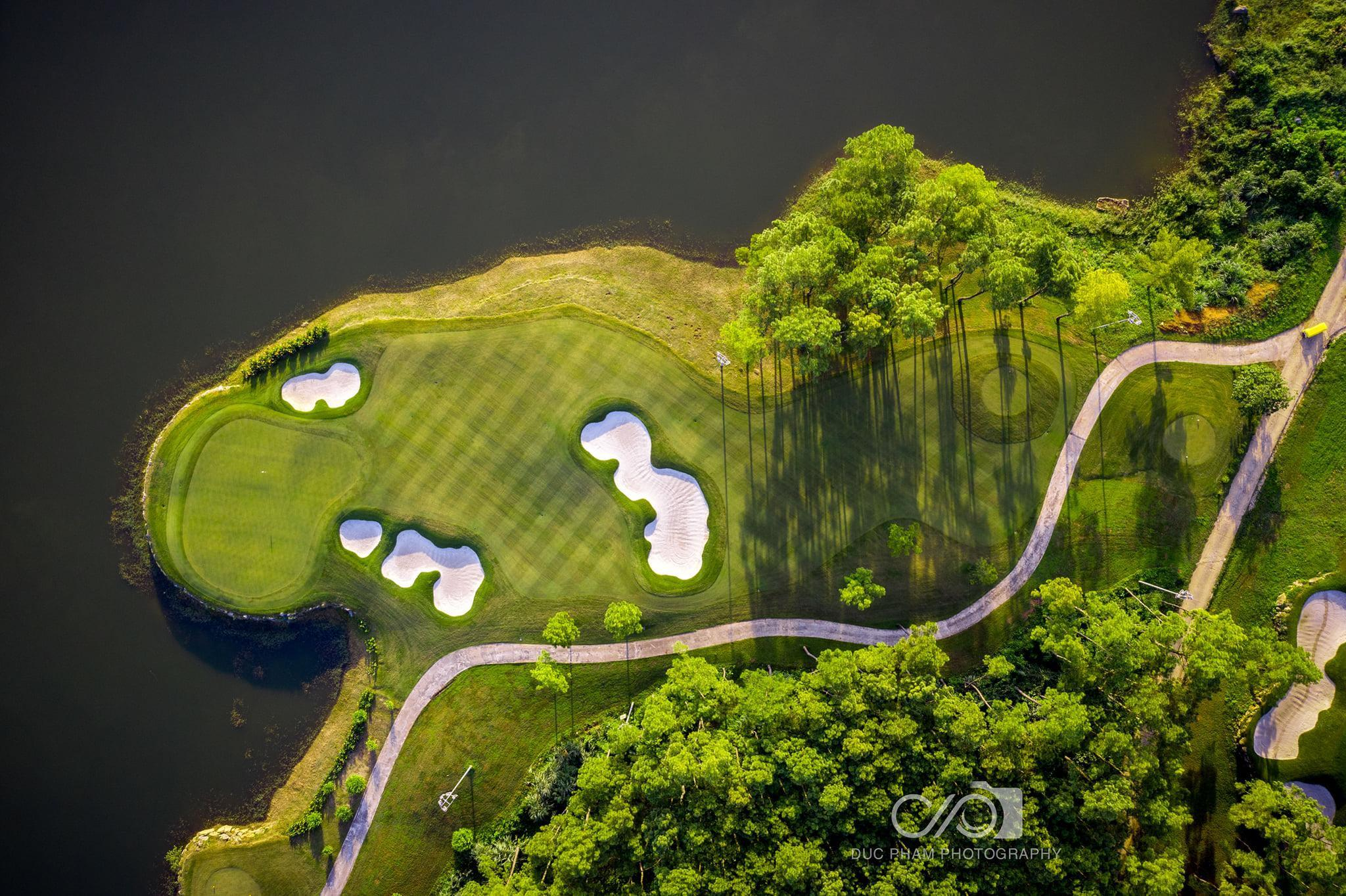 Tee off sân golf Tràng An 18 hố - Cuối tuần