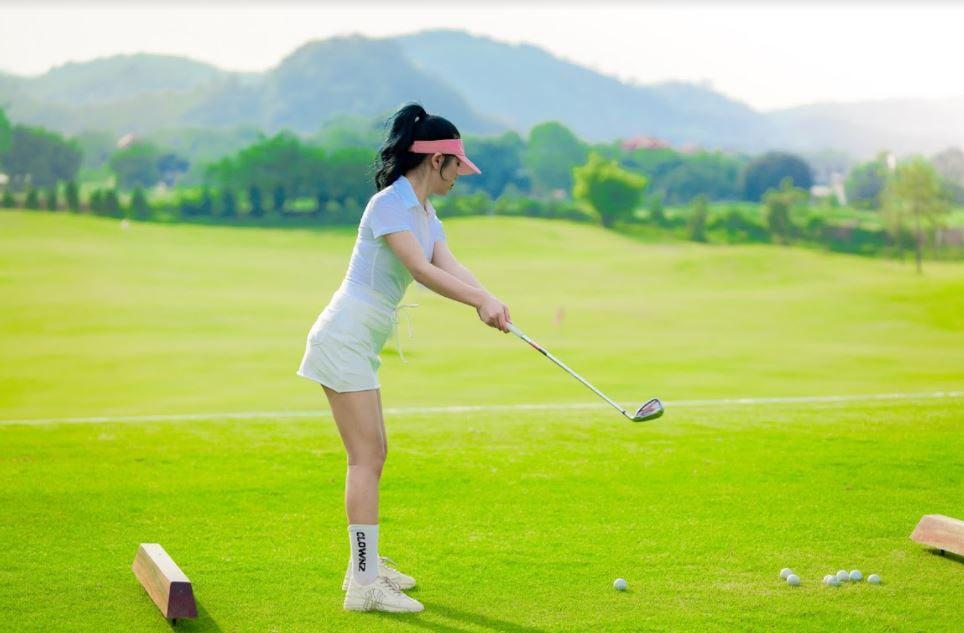 Combo chơi golf không giới hạn - Sân golf Tràng An - Khung giờ cố định