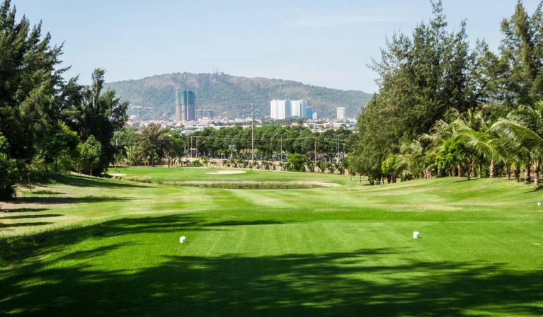 Sân golf Paradise Resort Golf Club Vũng Tàu - 36 hố