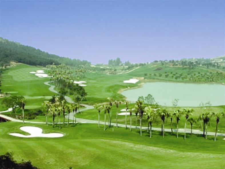 Sân Golf Vinpearl Phú Quốc Resort | Nghỉ dưỡng + Chơi gôn cho Nhóm từ 5-12 khách