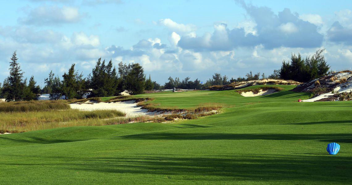 Đặt tee off sân FLC Golf Links Quảng Binh - 18 hố - trong tuần
