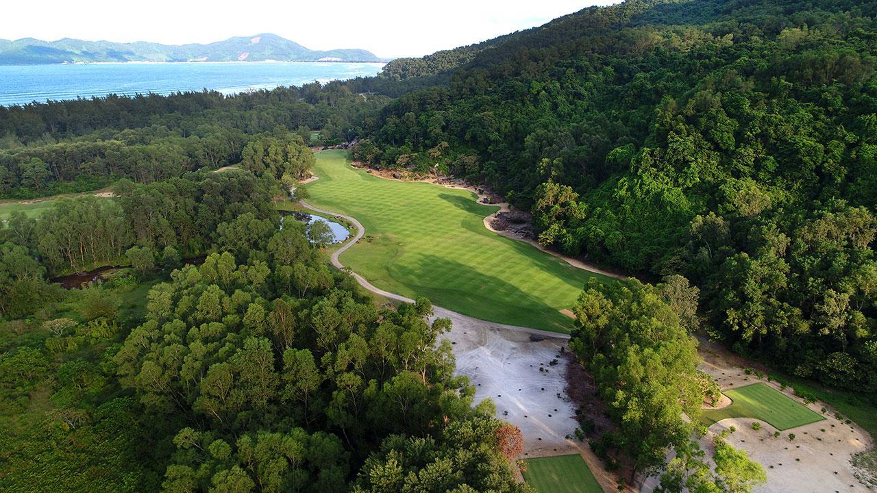 Đặt sân golf Laguna Lăng Cô - 9 hố - Cuối tuần - Khách lẻ