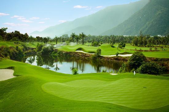 Tee off sân Diamond Bay Golf & Villas - 18 hố - Ngày thường